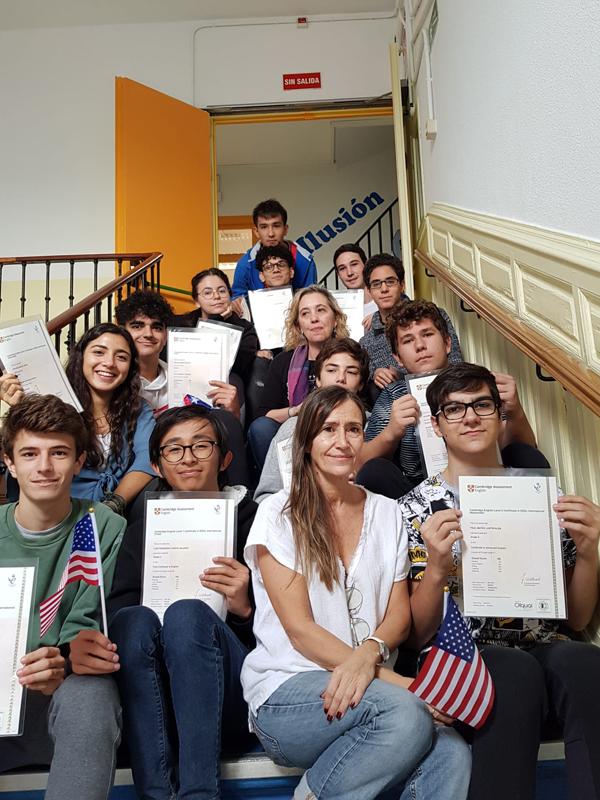 Entrega diplomas Cambridge Bachillerato El Porvenir