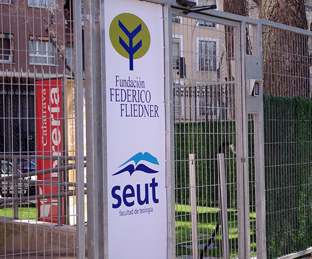 Facultad de Teología SEUT