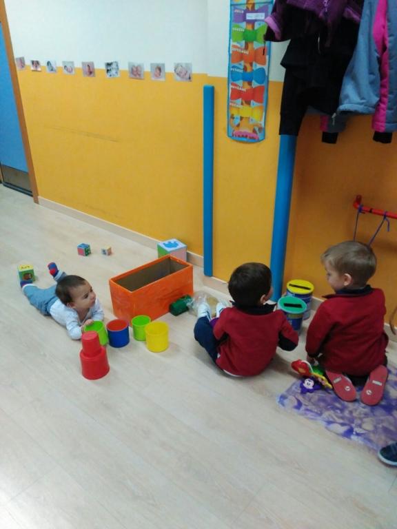 Juego Cooperativo Con Los Ninos De 2 Anos Y Los Bebes