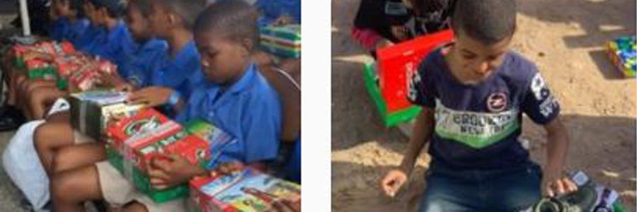 Entrega de las cajas de Operación Niño de la Navidad