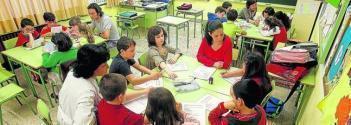 """Ponte en contacto con la AMPA para participar en """"las familias en el aula"""""""