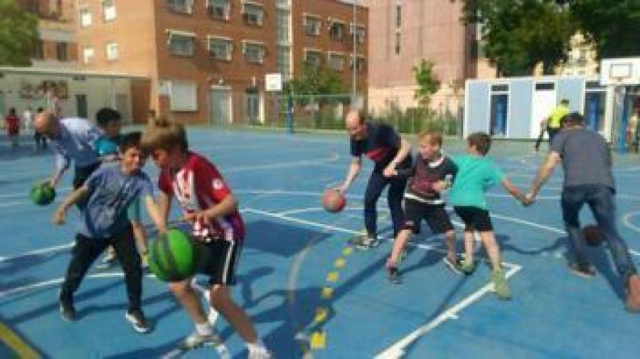 El equipo de baloncesto de Primaria en El Porvenir