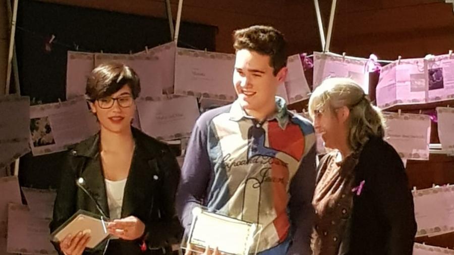 Alumnos de 4º de ESO de nuestro colegio, recibieron un premio de la Fundación Mujeres por sus microrrelatos con motivo del 25N