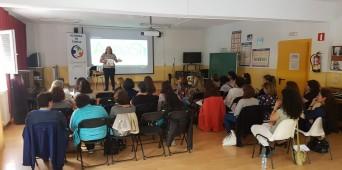 Academia de Familia acoge a más de 30 personas en el colegio Juan de Valdés