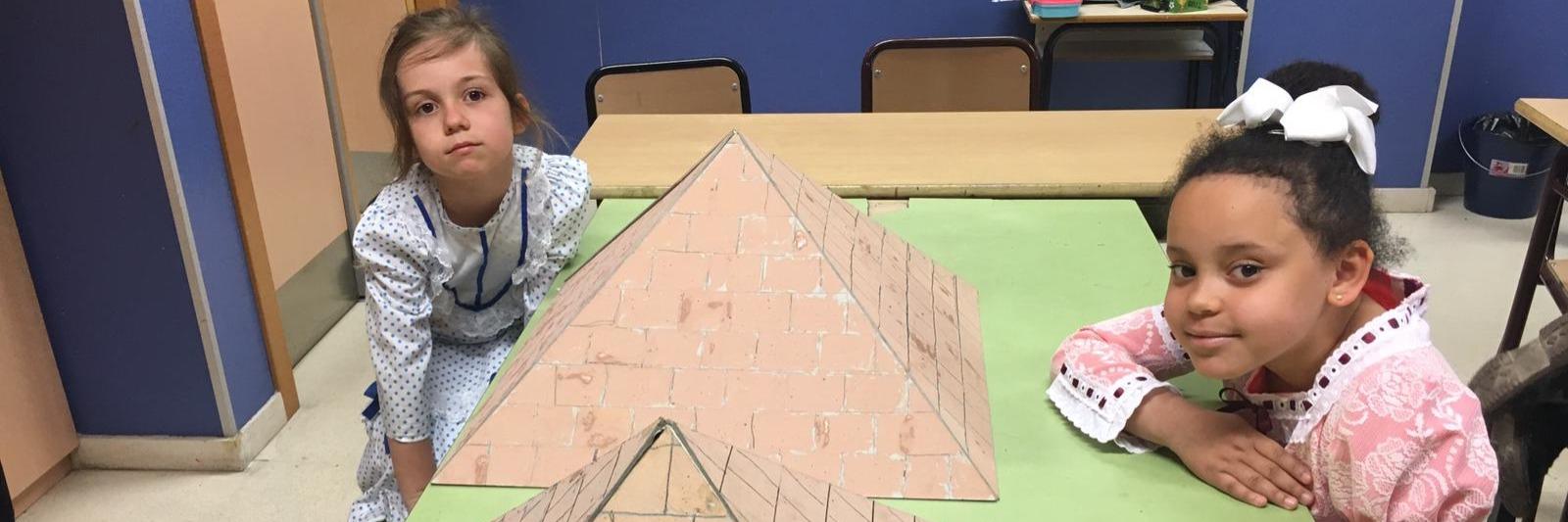 """Taller: """"Las Pirámides: tumbas de dioses y faraones"""" para los alumnos de 1º de Educación Primaria"""