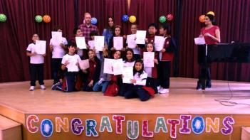 Entrega de diplomas Flyers de los exámenes de Cambridge