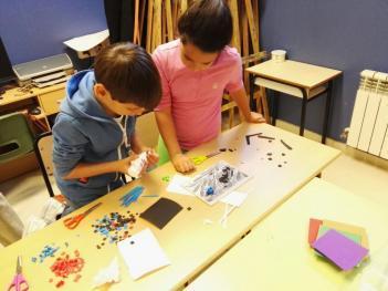 """Taller """"El arte del mosaico"""" para los alumnos de 2º de primaria"""