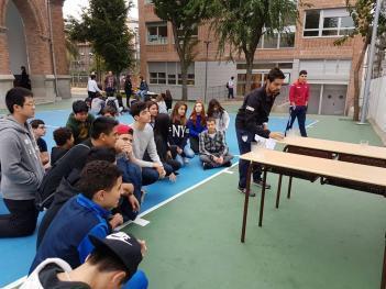 Alumnos de Secundaria celebran el Aniversario 119 del colegio El Porvenir