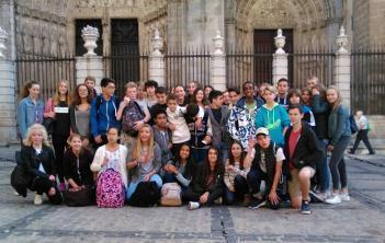 Los estudiantes del programa de intercambio visitan Toledo