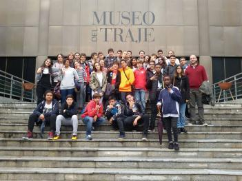 Los alumnos de 2º ESO visitan el Museo del Traje