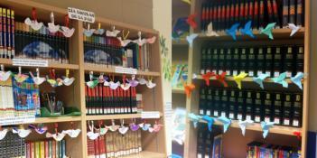 """Los niños de 4º, 5º y 6º han hecho """"Palomas de la Paz"""" en la biblioteca"""