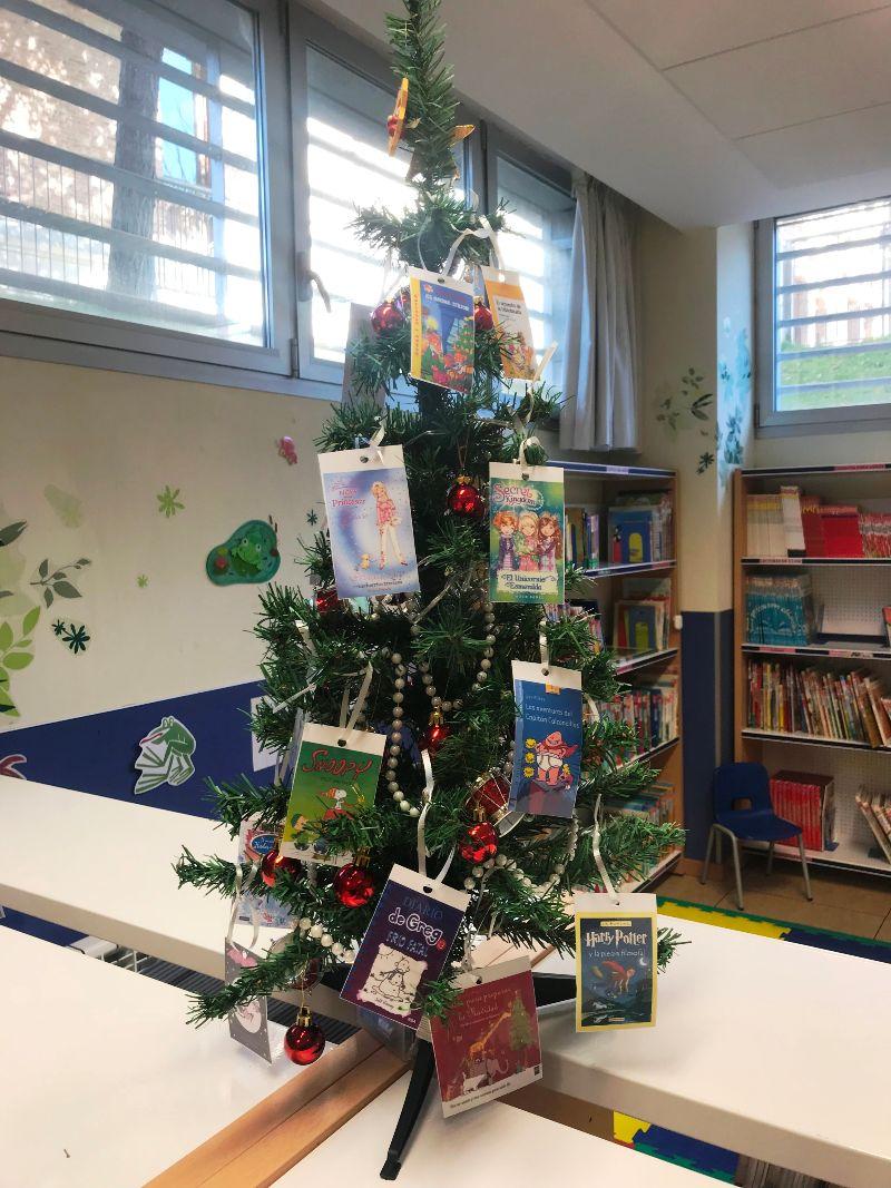 Arbol de Navidad Biblioteca Escolar El Porvenir