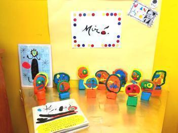 Nuestro cole parece el Museo de Miró