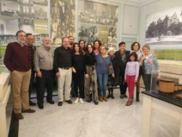 """Los antiguos alumnos del colegio El Porvenir visitan la exposición """"1517-2017, rescatando un tesoro PROTESTANTE"""""""