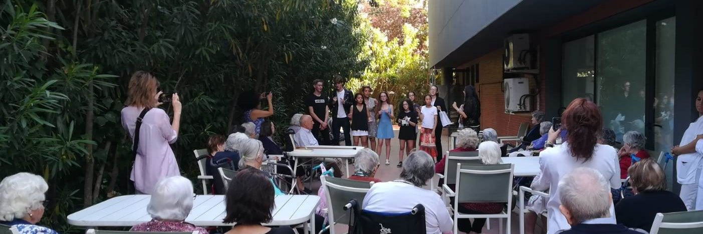 Varias inicativas han favorecido el contacto intergeneracional en el colegio El Porvenir