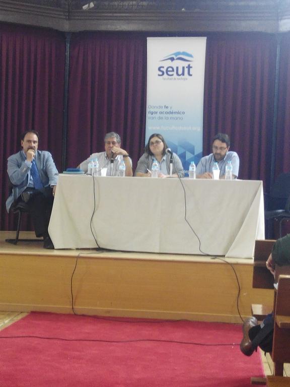 Foto del panel de profesores de SEUT