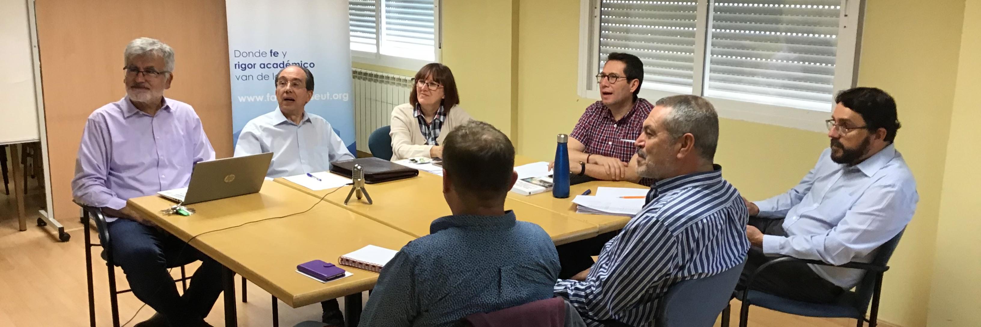 Entrevista al decano Israel Flores en Radio Encuentro