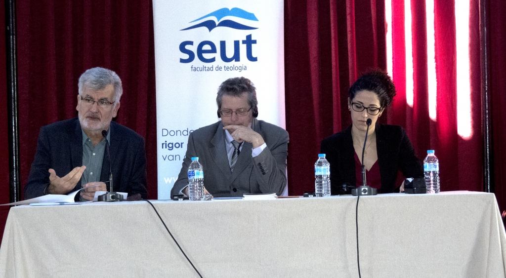 Foto de la mesa de la conferencia